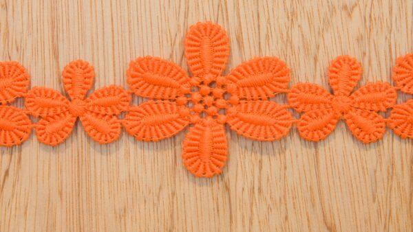 Renda - Guipur - Flores em Laranja